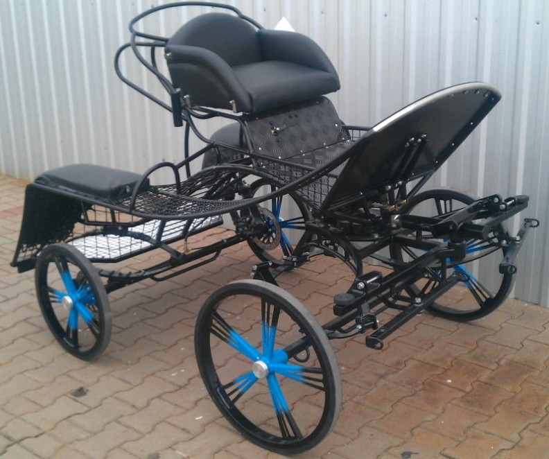 HNAP  HANNA PONY PAIR / SINGLE Three Phase Competition Carriage 12 to 14hh From £2990