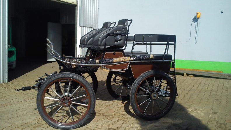 D6 Challenger. Pairs and single carriage for large horses 16 to 18.2hh. Basic Price £3622 + VAT