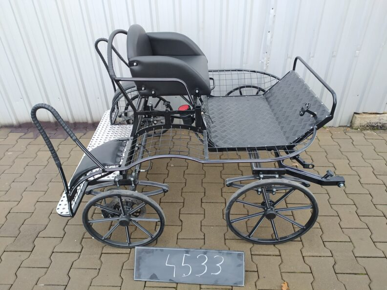 New Squirrel Micro Pairs Carriage. Suits up to about 9.2hh pair or a single a little larger. £3370 + VAT